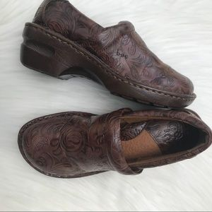"""Boc Brown Peggy Clogs Sz 7.5 with 2"""" Heel"""